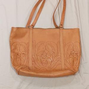 Clava Leather Shoulder Bag